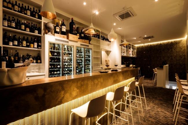 Immagini interne del Wine Bar eseguite ai piani superiori ed inferiori